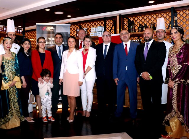 spouse-of-turkish-ambassador-in-red-jacket-along-with-members-of-management-hotel-shangrila-doha