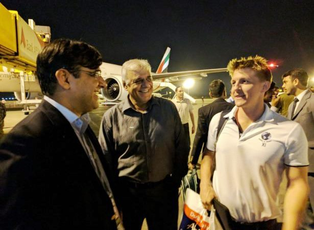 Int'l Cricket Heroes Arrive in Pakistan for World XI Series