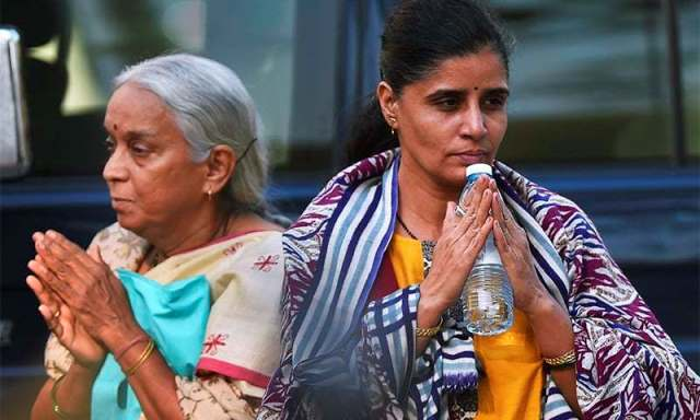 Mother & Wife Meets Jailed Indian Spy in Pakistan, Three Kashmiris Killed by Indian Occupied Forces,