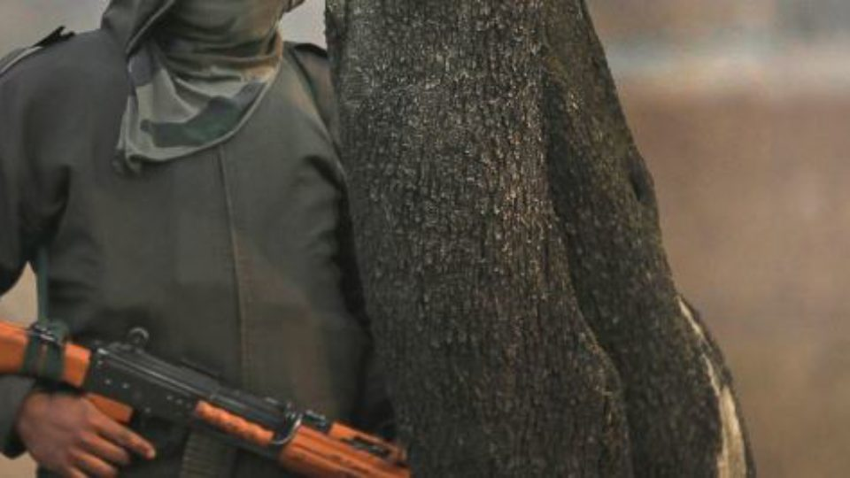 Indian Held Kashmir: 5 Indian Soldiers Among Eight Killed in Gunfight