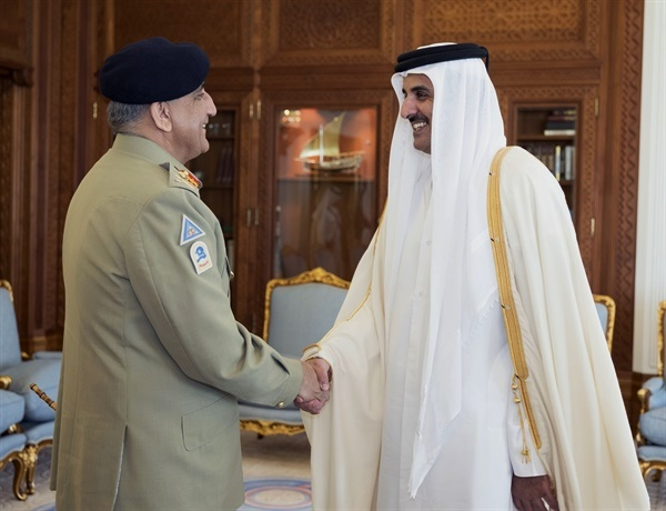 Emir of Qatar meets Pakistan Army Chief