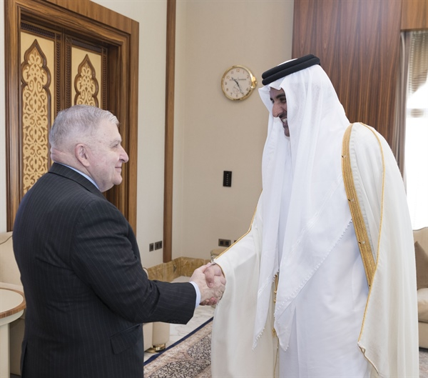 US Delegation Meets Emir and Foreign Minister of Qatar