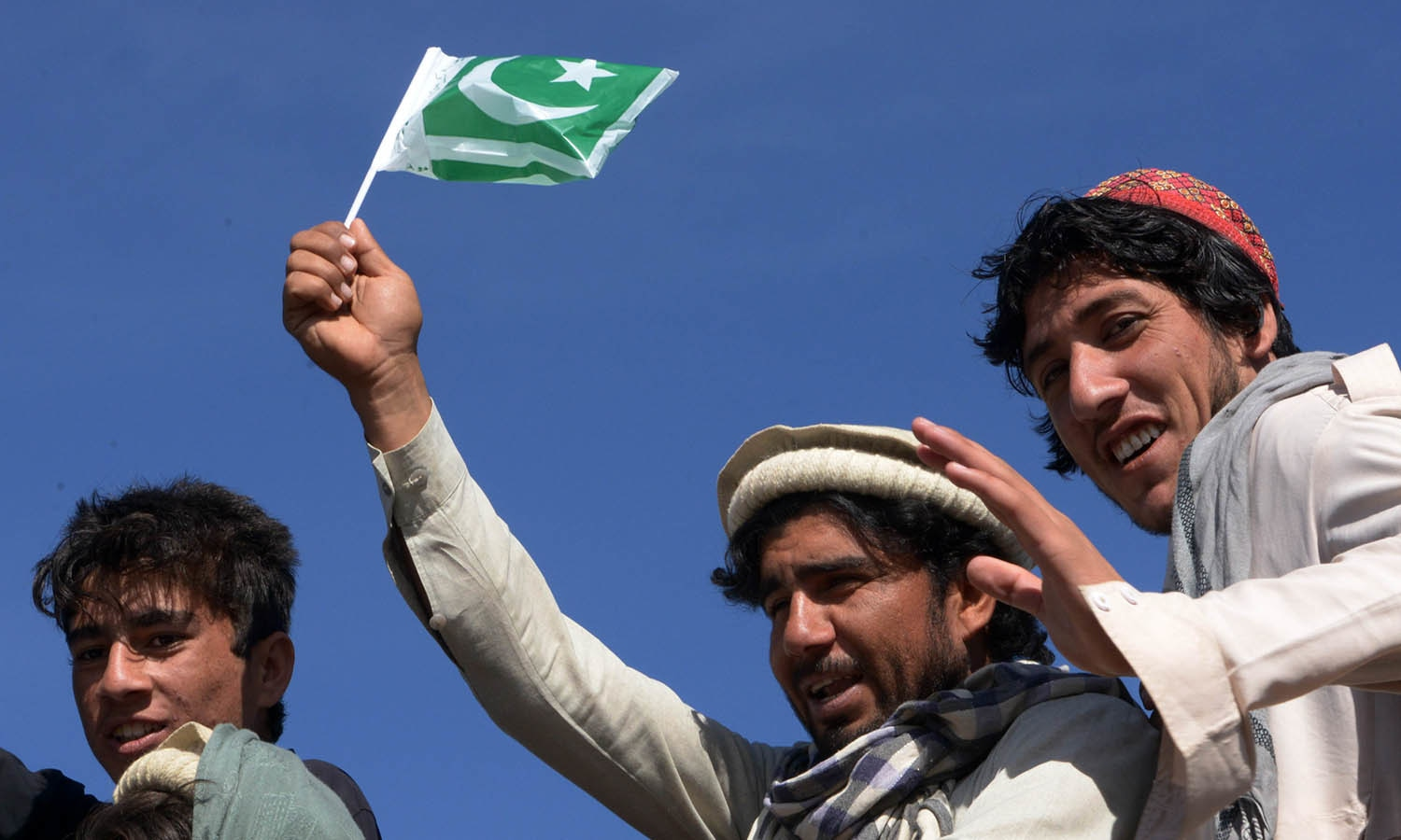 Pakistan: Senate Approves Fata-KP Merger Bill by 71-5 Votes, KP Assembly to Meet on 27 May