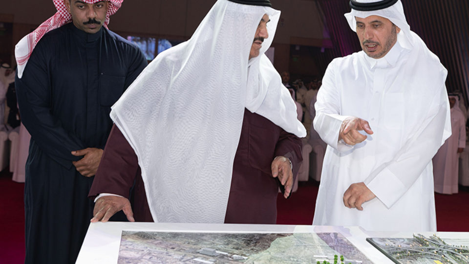 Prime Minister of Qatar and Emir of Kuwait Representative Kick Off Road Project
