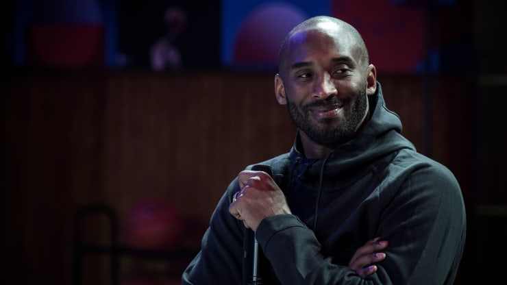 Kobe Bryant : Basketball Legend Dies in Helicopter Crash