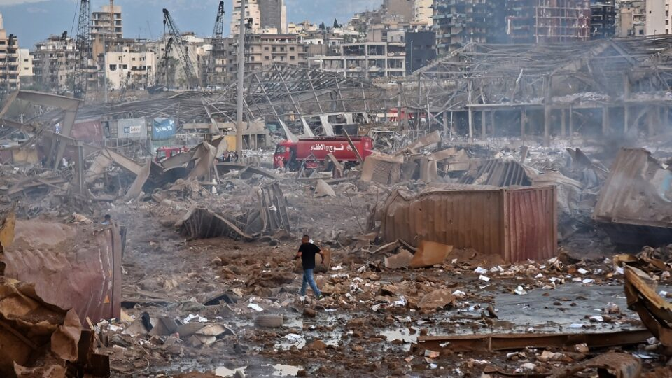 Dozens Killed, Thousands Wounded in Beirut Blast, Qatar Offers Field Hospital