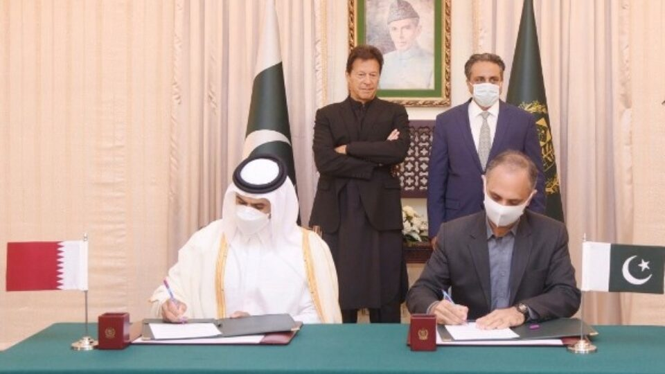 AlKaabi and Syed Taha signs additional agreement while Prime Minister Imran Khan watches