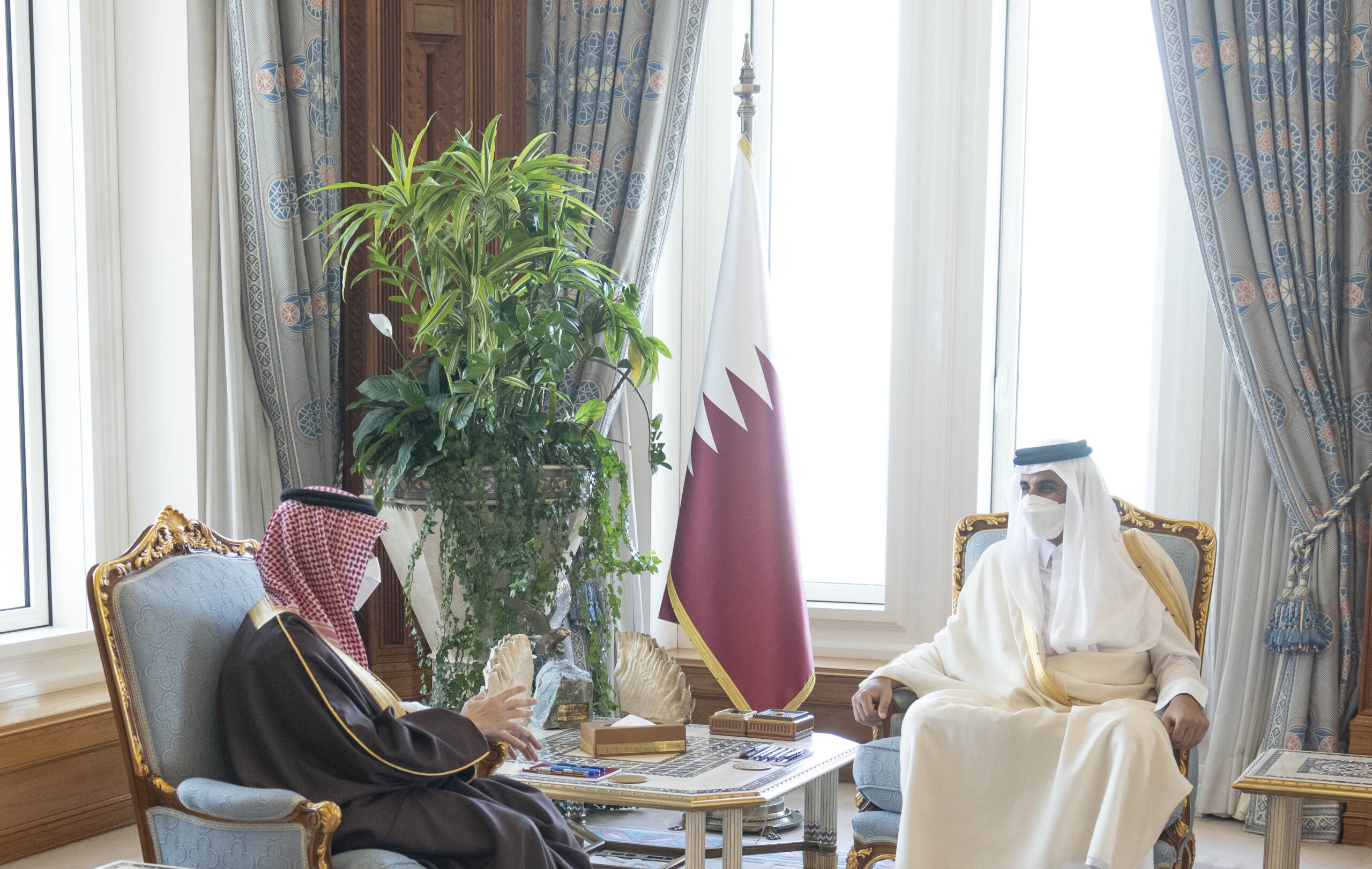 Saudi Arabia's Foreign Minister Conveys Kingdom's Ruler Message to Amir of Qatar and Meets Qatar's Counterpart